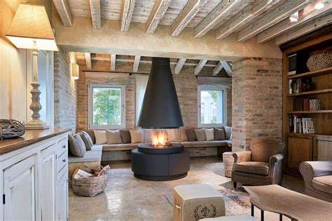 arredamento soggiorno con camino stile e design con camino e stufa idee perfette per ogni
