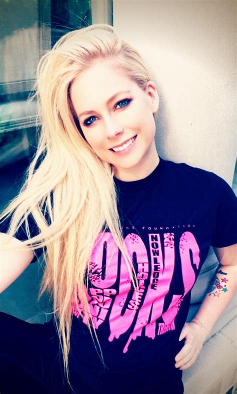 avril lavigne launches caign to help fight lyme disease the avril foundation avrilfoundation twitter