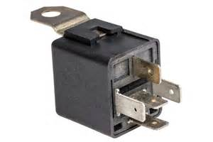 symptoms of a bad or failing door lock relay