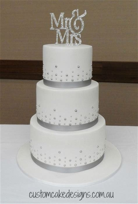 Hochzeitstorte Einfach by 25 Best Ideas About Wedding Cake Designs On