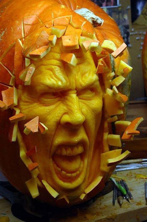 25 extremely unique pumpkin carvings