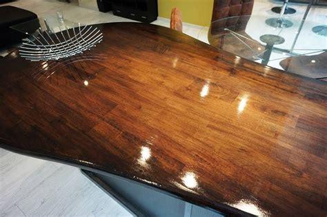 Vernir Une Table En Bois Brut by Vitrifier Table Bois Resine De Protection Pour Peinture