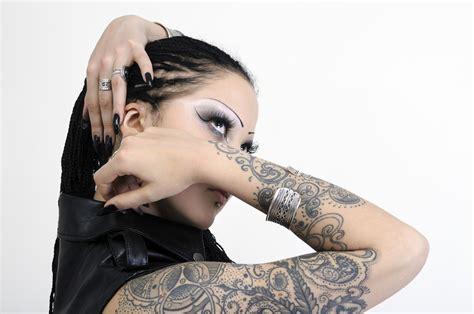 tatuaggi sul braccio donne idee