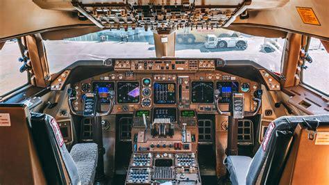 boeing 747 flight deck delta boeing 747 400 cockpit n666us quot the s plane