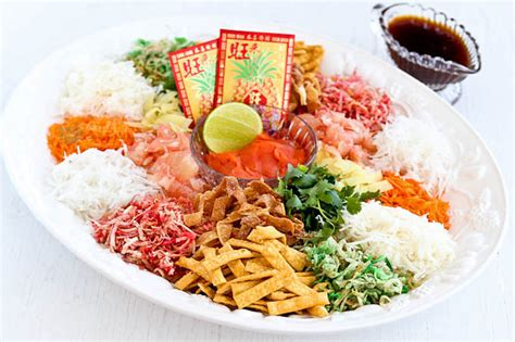 new year tossing of food yee sang prosperity toss salad malaysian kitchen