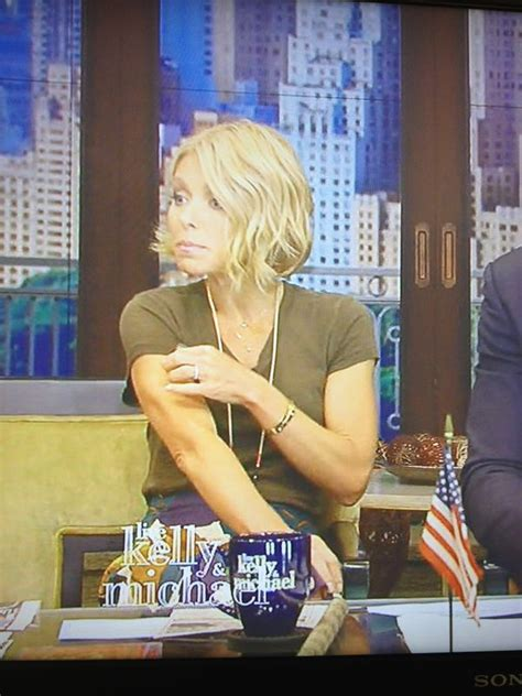 how to get kelly ripa curls beth behrs and need to on pinterest