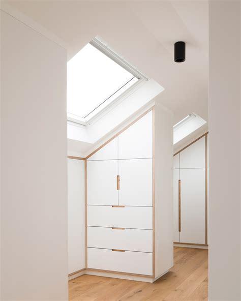 armadio basso per mansarda 8 idee per un piccolo spogliatoio in mansarda mansarda it