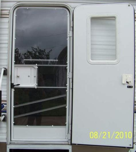Rv Closet Doors by Rv Door Window Glass Mod A Door For All Seasons