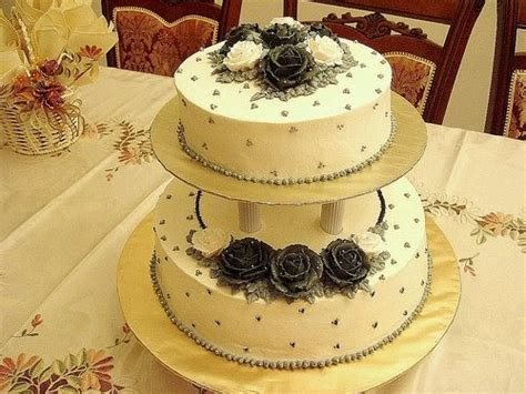 Wedding Cake For 150 by Chiquecakes 2 Tier Wedding Cake 150 Cupcakes Black