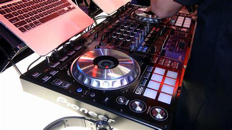console dj a poco prezzo pioneer ddj sz opinione penso la migliore console top