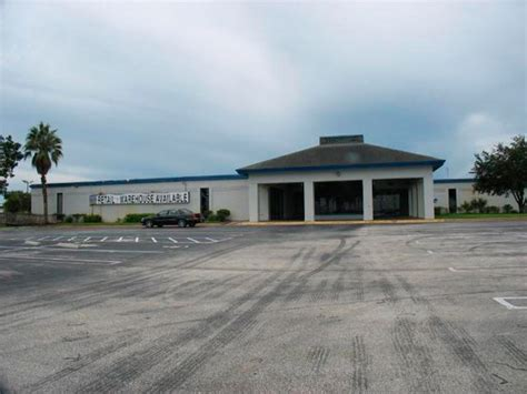 Rooms To Go Bradenton Florida by Rooms To Go Ceo Buys Stake In Former Furniture Building Business Observer Ta Bay