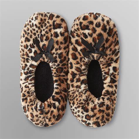 leopard slipper socks joe boxer s leopard print slippers shop your way