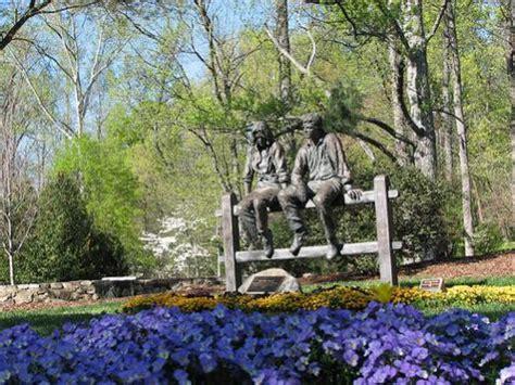 Bicentennial Garden Tanger Family Bicentennial Garden Greensboro Carolina