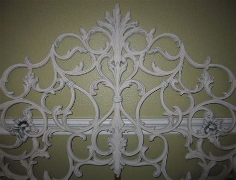 Antique White Iron Headboard Heirloom White Cast Iron Scroll Antique King Headboard 325 00 Via Etsy Etsy Finds