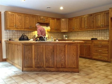 are honey oak cabinets outdated are oak kitchen cabinets outdated desainrumahkeren com