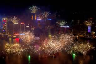 new year 2014 hong kong fireworks new year s celebrations around the world abc news