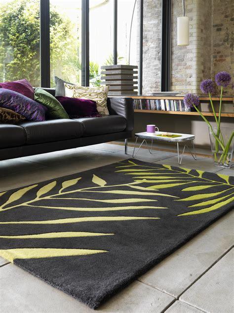 teppich grün grau wohnzimmer schwarz