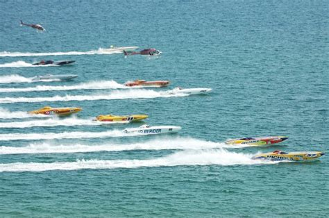 fast boat races key west only in key west the powerboat world chionship race
