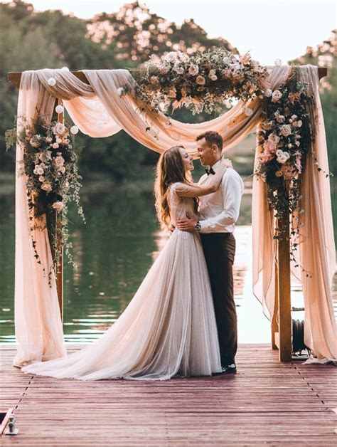 30 Best Floral Wedding Altars & Arches Decorating Ideas