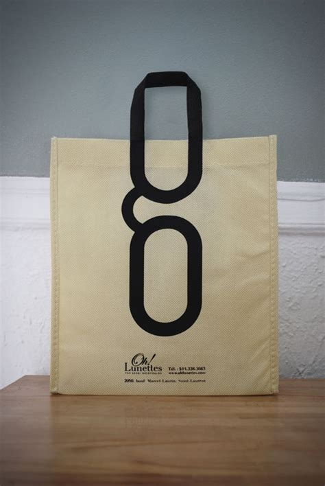 bag design 1000 ideas about bag store display on retail