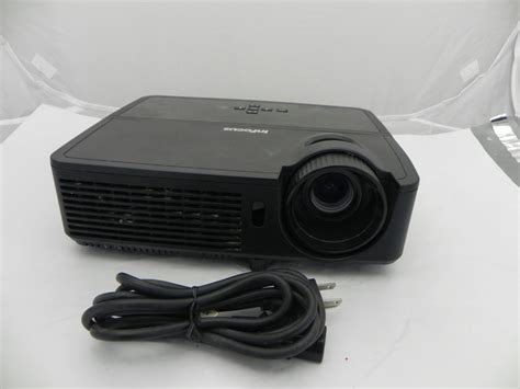 Lu Projector Infocus In124 black infocus model in124 dlp projector tested powers on