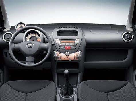 Toyota Aygo Inside το Vw μειώνει το κόστος παραγωγής των μοντέλων του