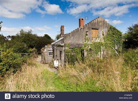 buy house cornwall old farm house cornwall uk stock photo royalty free image 51582339 alamy
