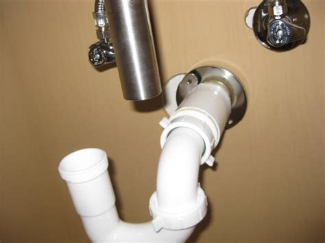 Kitchen Sink Doesn T Drain Plumbing Sink Tailpiece Doesn T Line Up With Trap Home Improvement Stack Exchange