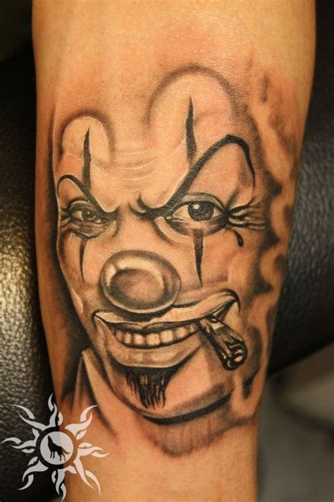 clown tattoo by unibody on deviantart as 34 melhores imagens em all clown tattoos no pinterest