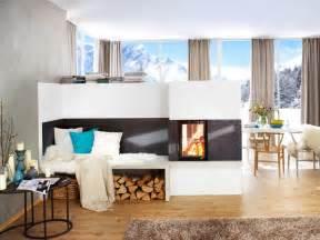 kamin als raumteiler kosten moderner kachelofen mit gem 252 tlicher sitzecke home