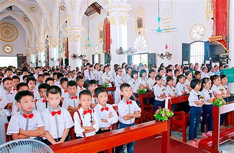 cgv em chua 23 an b 224 i rước lễ lần đầu v 224 rước lễ bao đồng