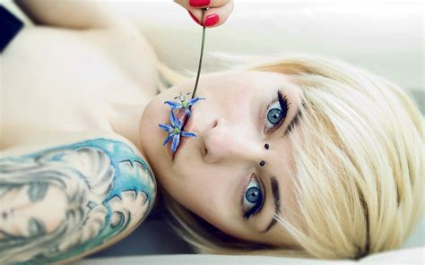 beautiful women with tattoos the with blue and a beautiful wallpapers