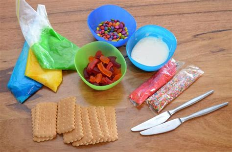 Kitchen Design Competition fun ways for the kids to decorate biscuits kidspot