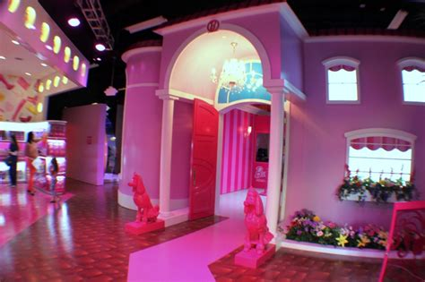 barbie dream house florida barbie dreamhouse debut in sawgrass mills mall sunrise florida