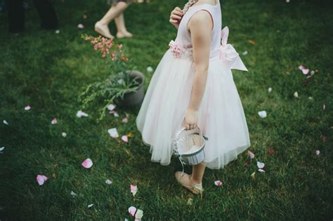 Outdoor Wedding Photography by Outdoor Wedding Photography
