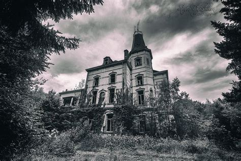 castle of darkness belgium chateau rochendaal by steven dijkshoorn via flickr taken