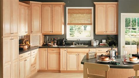 what paint color goes best with honey maple cabinets timberlake cabinets cabinet expressions