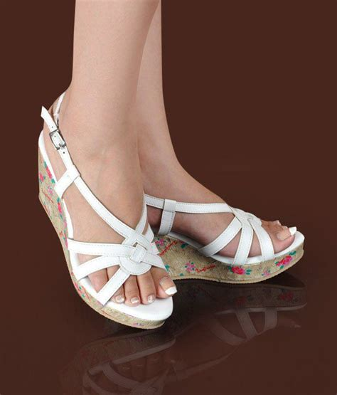 Wedges White Cf Sepatu Murah butterfly imposing white wedge heel sandals price in india buy butterfly imposing white wedge