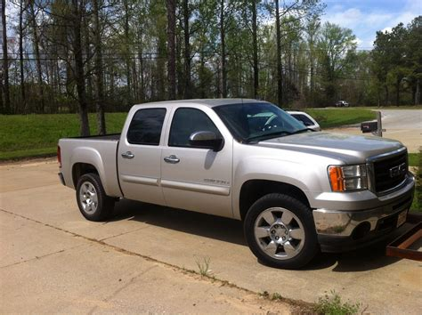 how to learn everything about cars 2009 gmc yukon interior lighting 2009 gmc sierra 1500 pictures cargurus