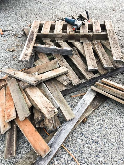 Why Rotten Pallet Wood Is A Scorefunky Junk Interiors