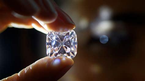 auktion  genf diamant fuer  millionen franken