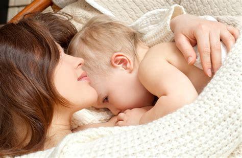 breastfeeding in bathroom breastfeeding mom in bath sex porn images