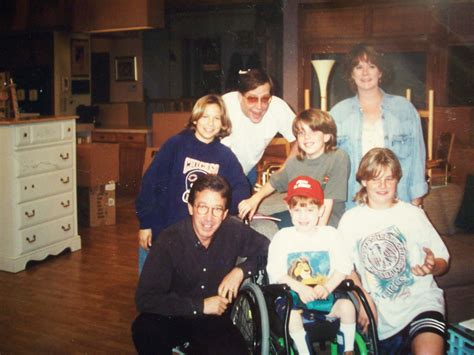 picture of me with the home improvement cast in 1995