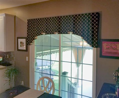 Sliding Glass Door Valance Door Valance Kitchen Cafe Curtain And Valance Beyond The Screen Door