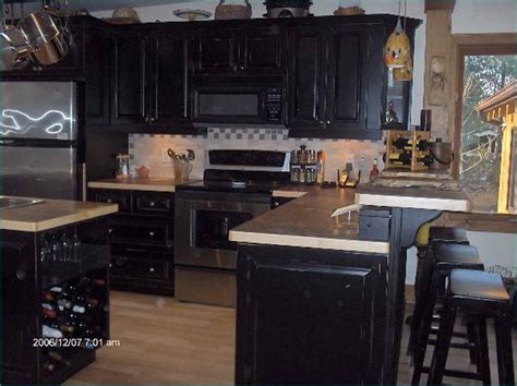 Painting Kitchen Cabinets Black by Kitchen Colors To Paint Your Kitchen Cabinets With Black
