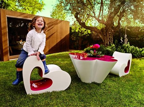 Childrens Outdoor Furniture by Childrens Playhouse Ideas For Your Garden Lazy Susan