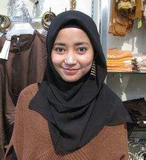 Wajah Zoya zoya tamini square koreksi bentuk wajah dengan jilbab ala