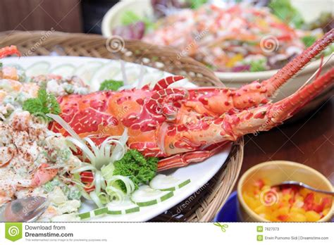 lobster in buffet dinner stock photos image 7627073