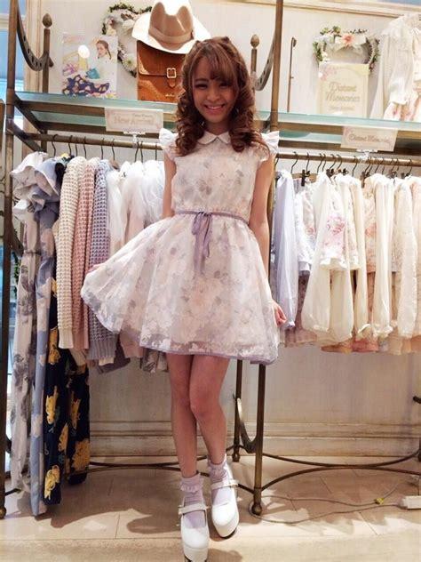 Sissy Boy Shopping For Dresses | sissy boy shopping for dresses newhairstylesformen2014 com