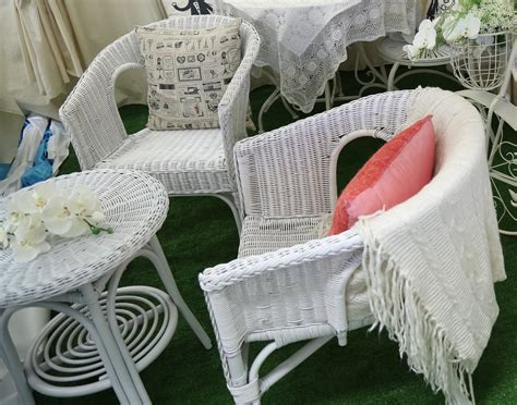 small white wicker table  chairs